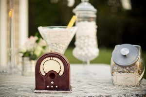 Vintage Backyard Wedding via Kara's Party Ideas | Kara'sPartyIdeas.com #vintage #backyard #wedding #supplies #ideas (2)