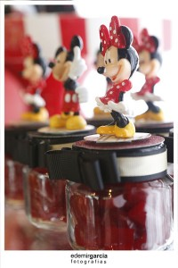 Vintage Mickey and Minnie Mouse Party via Kara's Party Ideas | Kara'sPartyIdeas.com #vintage #mickey #and #minnie #mouse #party (23)