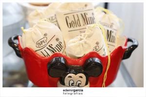 Vintage Mickey and Minnie Mouse Party via Kara's Party Ideas | Kara'sPartyIdeas.com #vintage #mickey #and #minnie #mouse #party (20)
