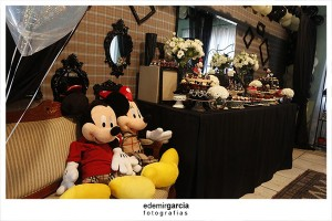 Vintage Mickey and Minnie Mouse Party via Kara's Party Ideas | Kara'sPartyIdeas.com #vintage #mickey #and #minnie #mouse #party (15)