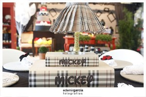 Vintage Mickey and Minnie Mouse Party via Kara's Party Ideas | Kara'sPartyIdeas.com #vintage #mickey #and #minnie #mouse #party (14)