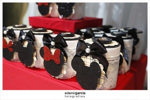 Vintage Mickey and Minnie Mouse Party via Kara's Party Ideas | Kara'sPartyIdeas.com #vintage #mickey #and #minnie #mouse #party (9)