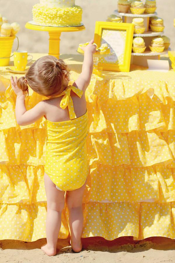 Kara 39 s party ideas yellow polka dot bikini party planning for Polka dot party ideas