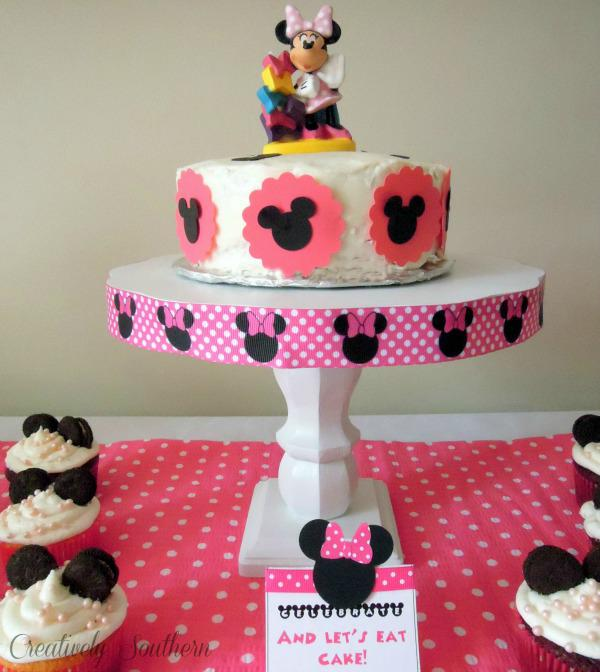 Minnie Mouse Birthday Party via Kara's Party Ideas | KarasPartyIdeas.com #minnie #mouse #disney #girl #birthday #party #ideas (15)