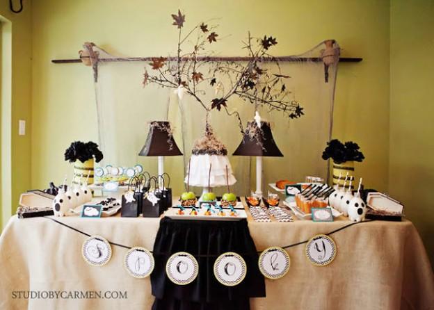 elegant halloween party dessert table - Elegant Halloween Party