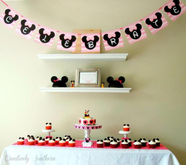 Minnie Mouse Birthday Party via Kara's Party Ideas | KarasPartyIdeas.com #minnie #mouse #disney #girl #birthday #party #ideas (6)