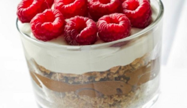 Chocolate Peanut Butter Raspberry Graham Parfait RECIPE! So yummy! Via KarasPartyIdeas.com #recipe #party #raspberry #chocolate #peanutbutter 2