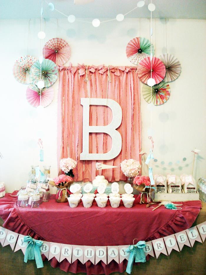 Karas Party Ideas Vintage Chic 1st Girl Boy Birthday Planning Decorations