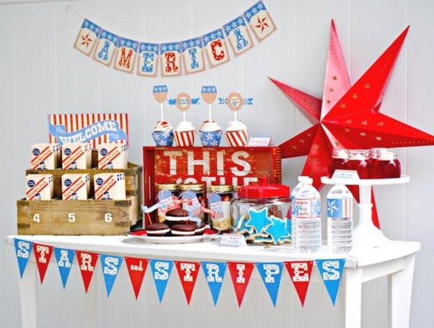 Stars & Stripes July 4th Party + FREE PRINTABLES via Kara's Party Ideas #4thofJuly #FreePrintables #StarsAndStripes #patriotic #party #idea (1)