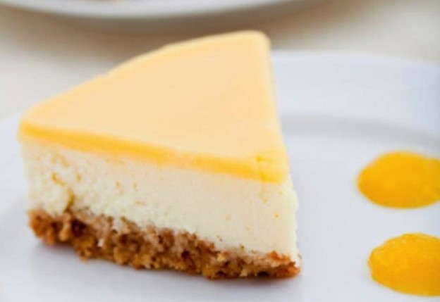 Easy LEMON CHEESECAKE made with golden blossom honey! Recipe via KarasPartyIdeas.com #cheesecakerecipe #honeyrecipe #partyideas 2