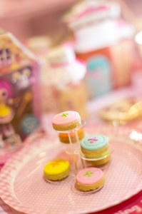 Lalaloopsy Beauty Parlor Party via Kara's Party Ideas #lalaloopsy #spa #makeover #party #planning #idea #decorations (20)