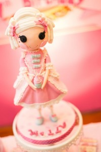 Lalaloopsy Beauty Parlor Party via Kara's Party Ideas #lalaloopsy #spa #makeover #party #planning #idea #decorations (17)