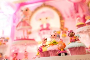 Lalaloopsy Beauty Parlor Party via Kara's Party Ideas #lalaloopsy #spa #makeover #party #planning #idea #decorations (5)