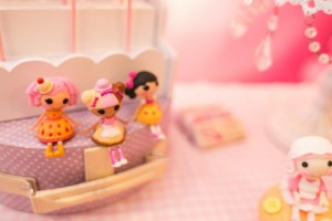 Lalaloopsy Beauty Parlor Party via Kara's Party Ideas #lalaloopsy #spa #makeover #party #planning #idea #decorations (3)