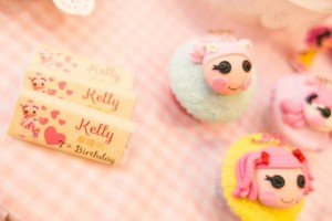 Lalaloopsy Beauty Parlor Party via Kara's Party Ideas #lalaloopsy #spa #makeover #party #planning #idea #decorations (2)