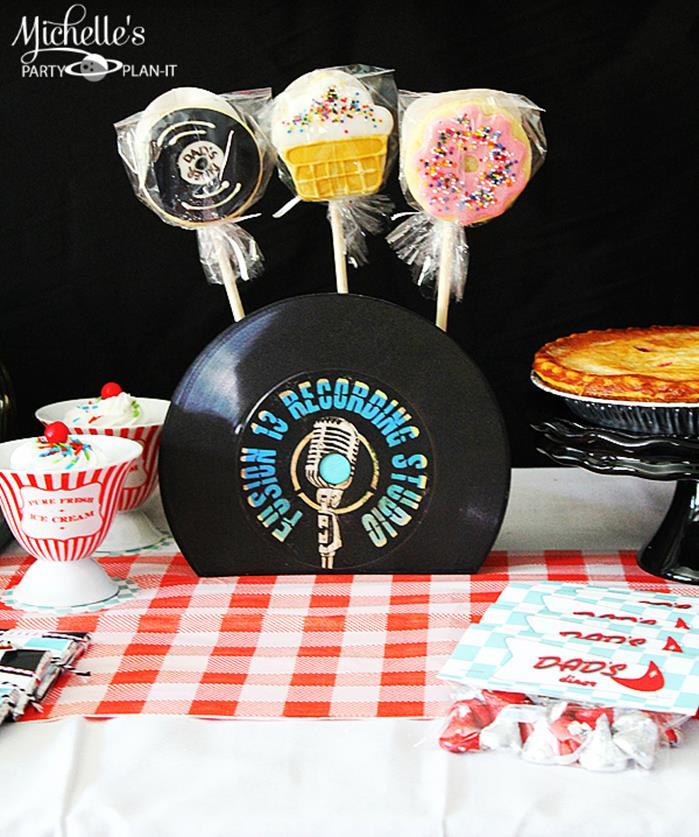 Kara 39 s party ideas 1950 39 s diner party via karaspartyideas for 1950s party decoration ideas