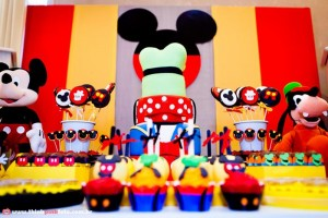 Mickey Mouse Party via Kara's Party Ideas #MinnieMouse #party #planning #idea #decorations #GenderNeutral (18)