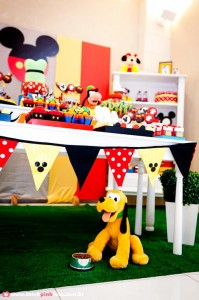 Mickey Mouse Party via Kara's Party Ideas #MinnieMouse #party #planning #idea #decorations #GenderNeutral (13)