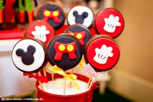 Mickey Mouse Party via Kara's Party Ideas #MinnieMouse #party #planning #idea #decorations #GenderNeutral (23)