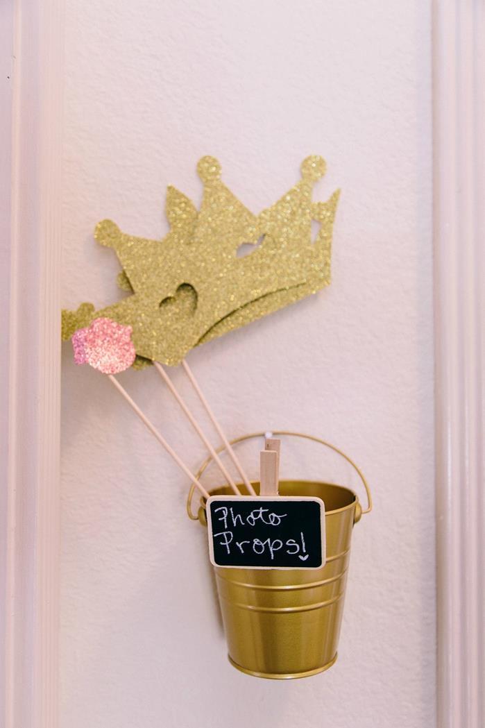 Beauty Queen Birthday Party Via Karas Ideas