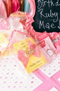 Beauty Queen Birthday Party via Kara's Party Ideas | Kara'sPartyIdeas.com #Beauty #Pageant #Party #Planning #Idea #Decorations (33)