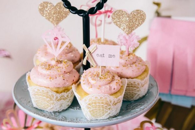 Beauty Queen Birthday Party via Kara's Party Ideas | Kara'sPartyIdeas.com #Beauty #Pageant #Party #Planning #Idea #Decorations (16)