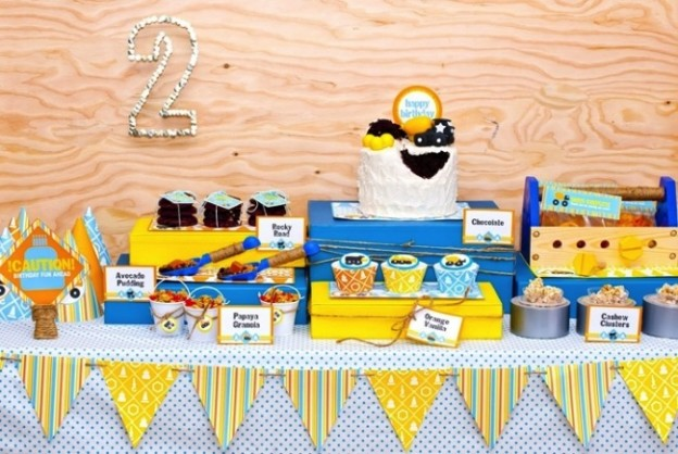construction_crew_boy_birthday_dessert_table_overall