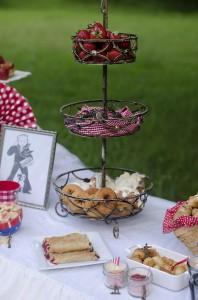 Cracker Jack Birthday Party via Kara's Party Ideas #planning #idea #decorations #tween (16)