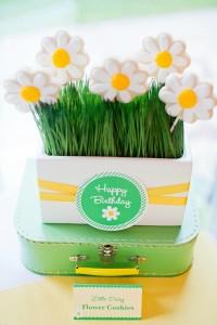 Little Daisy Party via Kara's Party Ideas | Kara'sPartyIdeas.com #Daisy #Party #Baby #Shower #Idea (12)