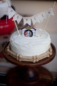 Dog Birthday Party #planning #idea #decorations #bones #cake (6)