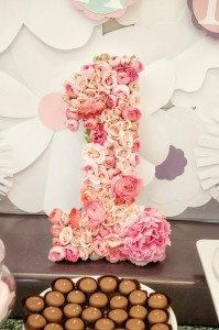 Fairy 1st Birthday Party via Kara's Party Ideas | Kara'sPartyIdeas.com #Fairies #Party #Ideas #Girl #Decorations (13)