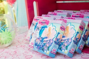 Mermaid Princess Party via Kara's Party Ideas #mermaid #party #planning #idea #decorations #birthday #girl (29)