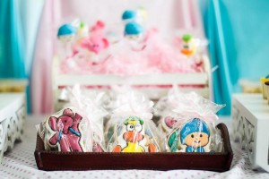 Girly Pocoyo Party via Kara's Party Ideas | Kara'sPartyIdeas.com #Girly #Pocoyo #Party #Planning #Idea #Decorations (18)