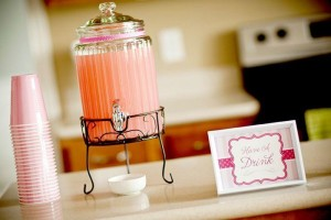 #pink #party #idea #girl #1st #deorations (5)