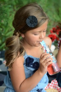 Summer Picnic Party via Kara's Party Ideas #summer #picnic #party #planning #idea #supplies (29)