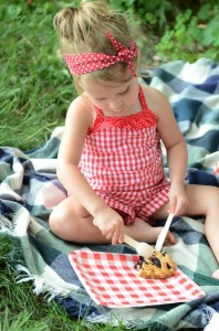 Summer Picnic Party via Kara's Party Ideas #summer #picnic #party #planning #idea #supplies (19)