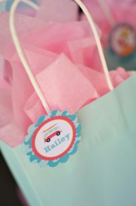 #surf #party #birthday #planning #girl #cake #decorations #ideas #idea (12)