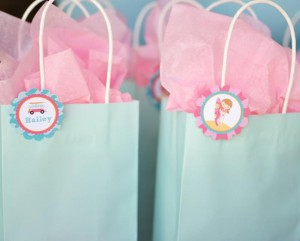 #surf #party #birthday #planning #girl #cake #decorations #ideas #idea (11)