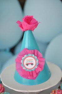 #surf #party #birthday #planning #girl #cake #decorations #ideas #idea (19)