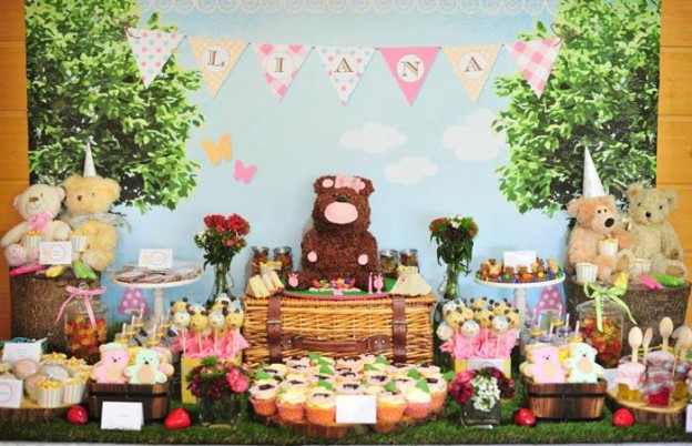 Teddy Bear Picnic via Kara's Party Ideas | Kara's Party Ideas #planning #idea #decorations #cake #girl #boy (6)