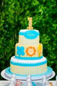 Zoo Themed Birthday Party via Kara's Party Ideas | Kara'sPartyIdeas.com #Zoo #Birthday #Party #Planning #Idea (25)