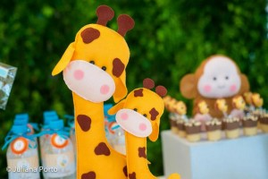 Zoo Themed Birthday Party via Kara's Party Ideas | Kara'sPartyIdeas.com #Zoo #Birthday #Party #Planning #Idea (22)