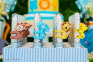 Zoo Themed Birthday Party via Kara's Party Ideas | Kara'sPartyIdeas.com #Zoo #Birthday #Party #Planning #Idea (37)