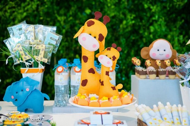 Zoo Themed Birthday Party via Kara's Party Ideas | Kara'sPartyIdeas.com #Zoo #Birthday #Party #Planning #Idea (31)