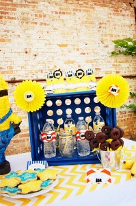 Despicable Me Minion Playdate Party via Kara's Party Ideas #minions #Playdate #DespicableMe #PartyIdea #PartyDecorations (33)