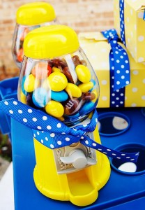 Despicable Me Minion Playdate Party via Kara's Party Ideas #minions #Playdate #DespicableMe #PartyIdea #PartyDecorations (23)