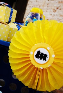 Despicable Me Minion Playdate Party via Kara's Party Ideas #minions #Playdate #DespicableMe #PartyIdea #PartyDecorations (21)