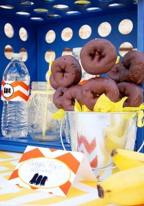 Despicable Me Minion Playdate Party via Kara's Party Ideas #minions #Playdate #DespicableMe #PartyIdea #PartyDecorations (14)