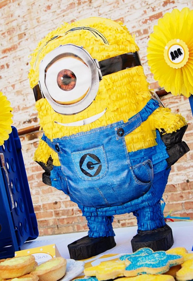 Despicable Me Minion Playdate Party via Kara's Party Ideas #minions #Playdate #DespicableMe #PartyIdea #PartyDecorations (12)
