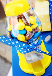 Despicable Me Minion Playdate Party via Kara's Party Ideas #minions #Playdate #DespicableMe #PartyIdea #PartyDecorations (6)